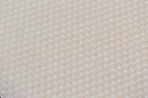 witte matras spiegel van een gestoffeerd pocketmatras