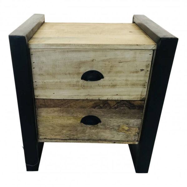 houten met ijzeren nachtkastje van Wood & iron met twee laden greepjes en een donder ijzer frame
