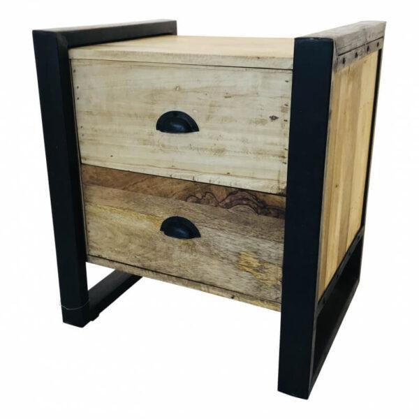 Hout met ijzeren nachtkastje van Wood & iron met twee laden en een ijzeren frame