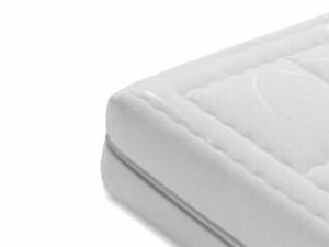 latex matras met 7-zone pocketvering en een witte hoes