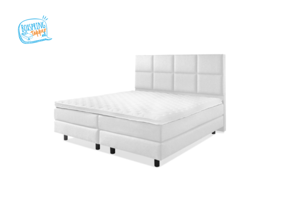 tweepersoons bed met 8 vlakken hoofdbord in de kleur wit